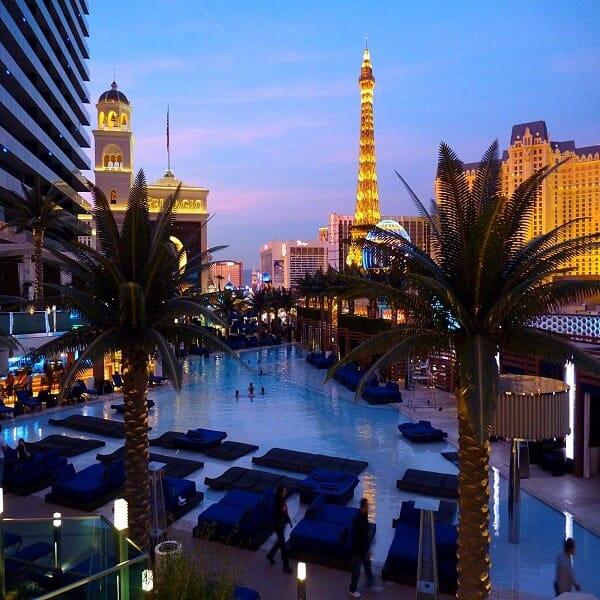 The-Cosmopolitan-of-Las-Vegas-pool-600-600
